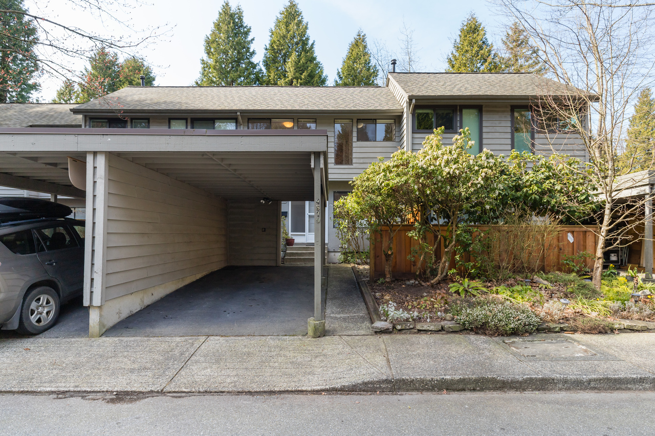002 at 4579 Elmgrove Drive, Greentree Village, Burnaby South
