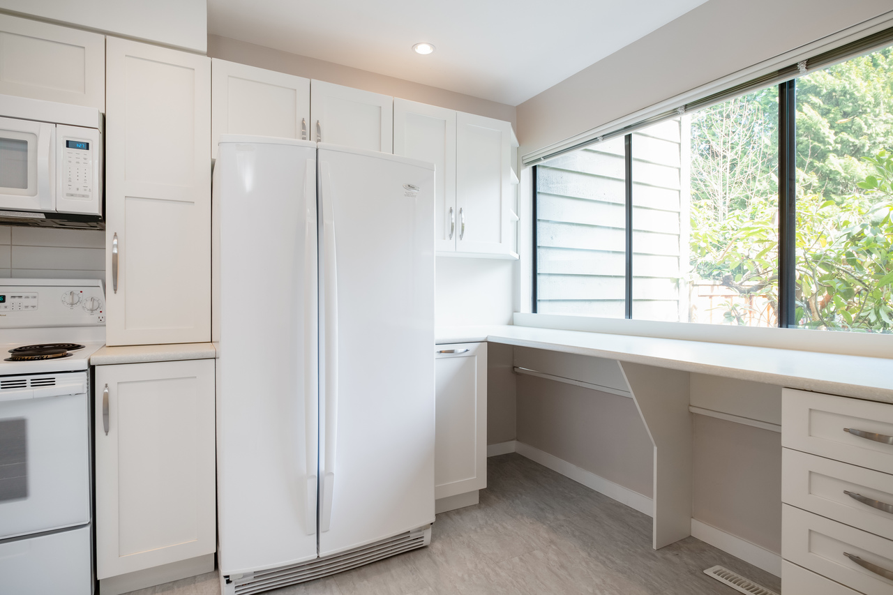 015 at 4579 Elmgrove Drive, Greentree Village, Burnaby South