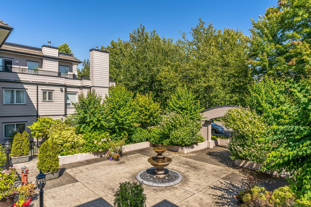 17 at 201 - 1533 Best Street, White Rock, South Surrey White Rock
