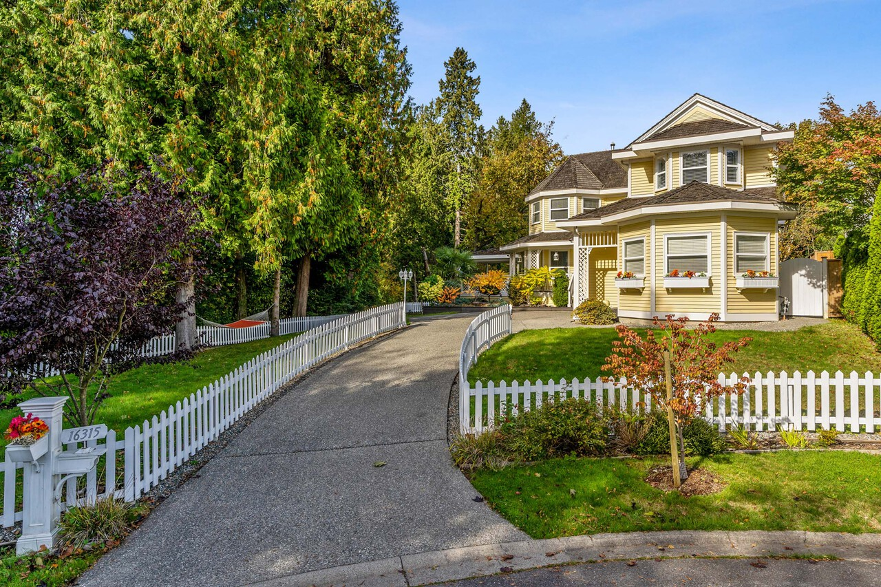 01 at 16315 9 Avenue, King George Corridor, South Surrey White Rock