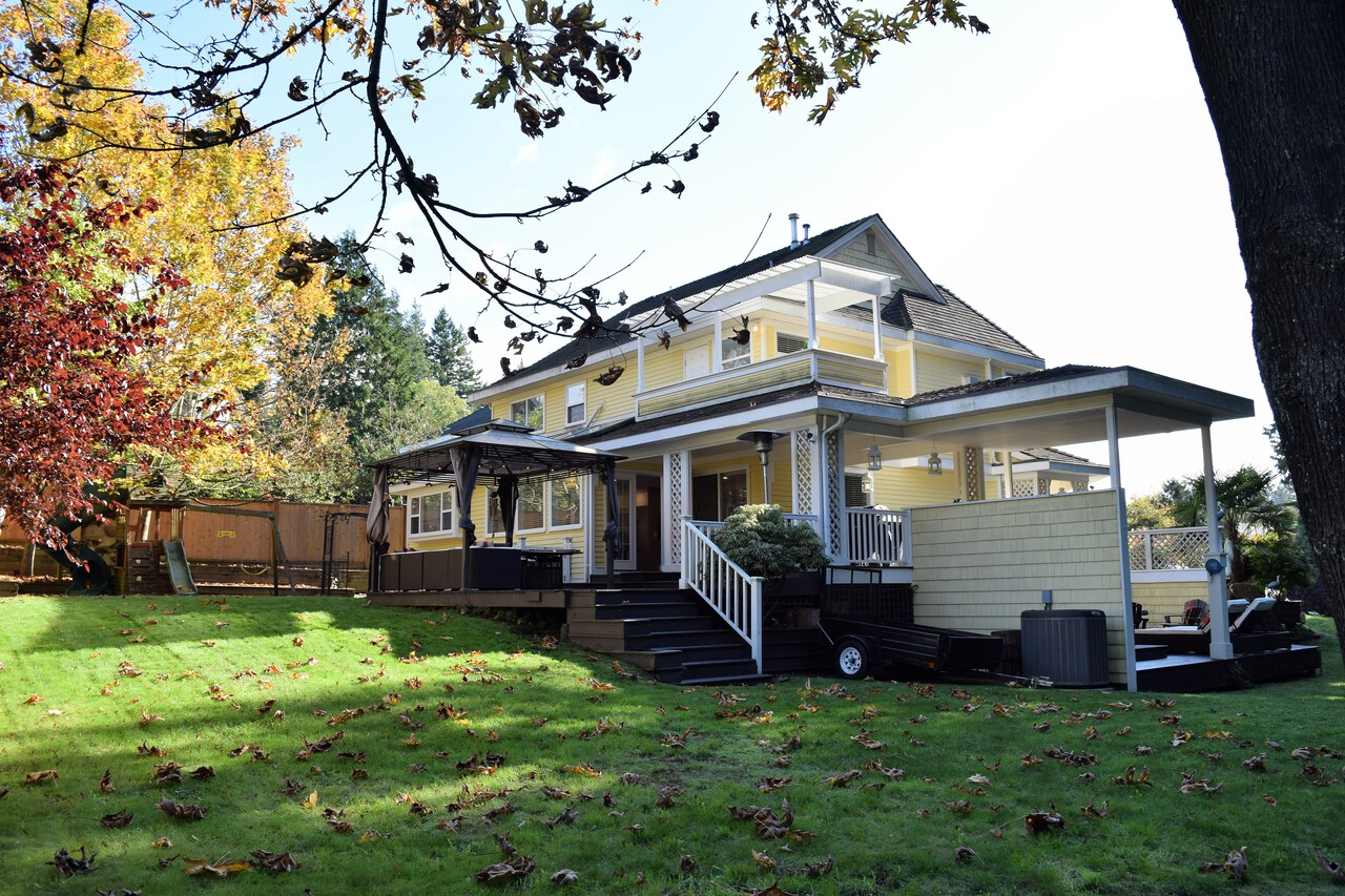 1 at 16315 9 Avenue, King George Corridor, South Surrey White Rock