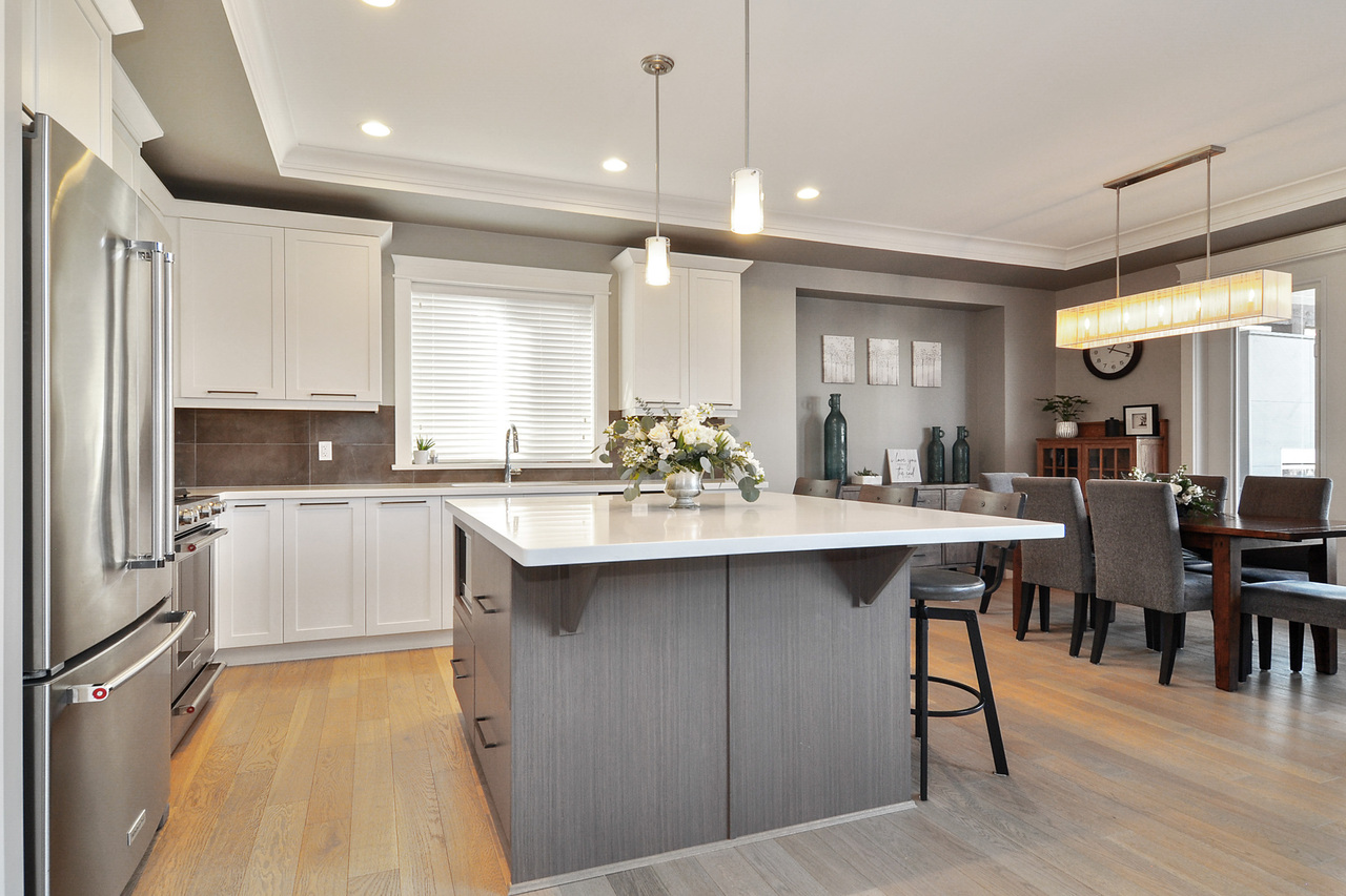 06 at 20529 84a Avenue, Willoughby Heights, Langley