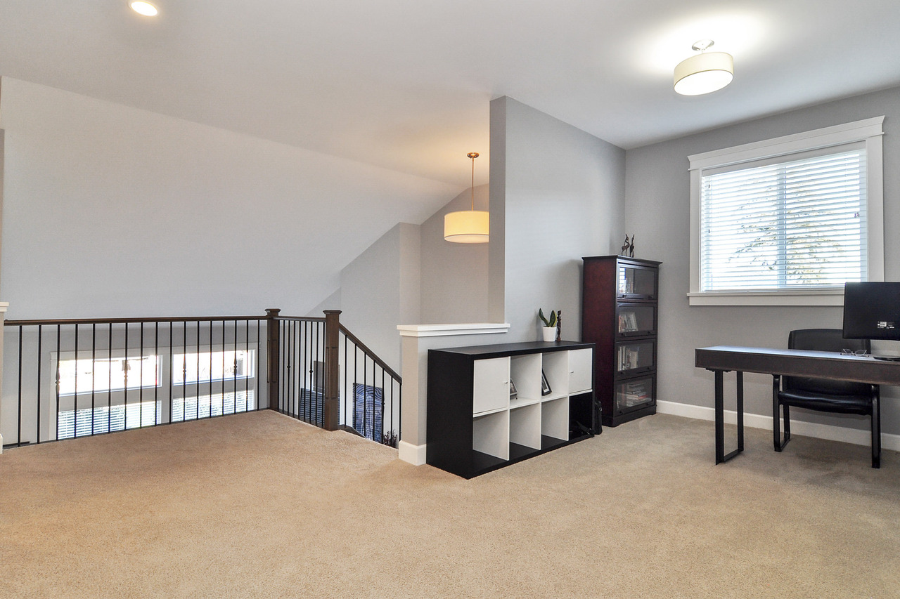 17 at 20529 84a Avenue, Willoughby Heights, Langley