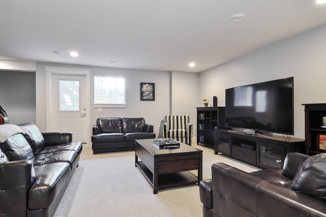 18 at 20529 84a Avenue, Willoughby Heights, Langley
