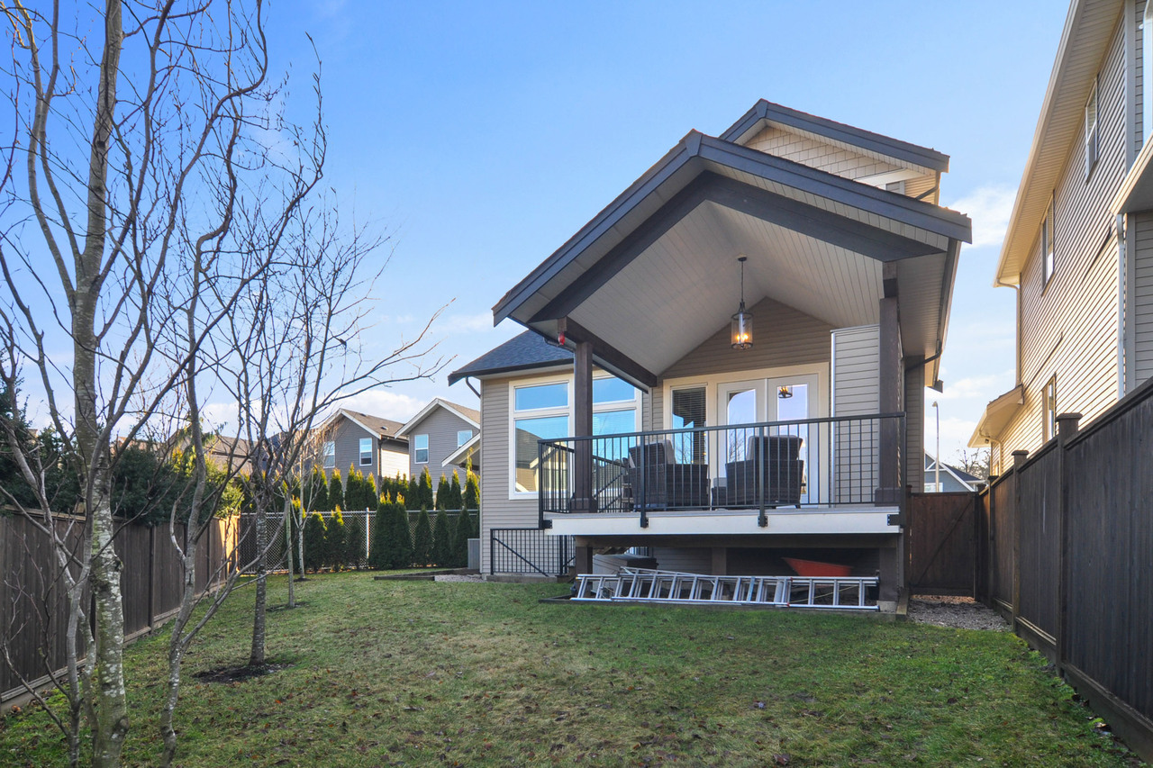 25 at 20529 84a Avenue, Willoughby Heights, Langley