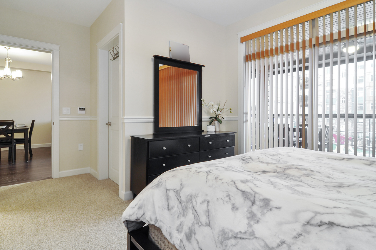 10 at A214 - 20716 Willoughby Town Centre Drive, Willoughby Heights, Langley