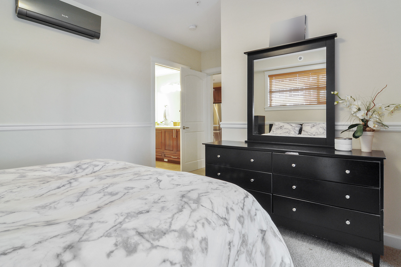 11 at A214 - 20716 Willoughby Town Centre Drive, Willoughby Heights, Langley