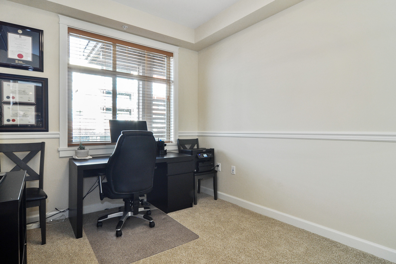15 at A214 - 20716 Willoughby Town Centre Drive, Willoughby Heights, Langley
