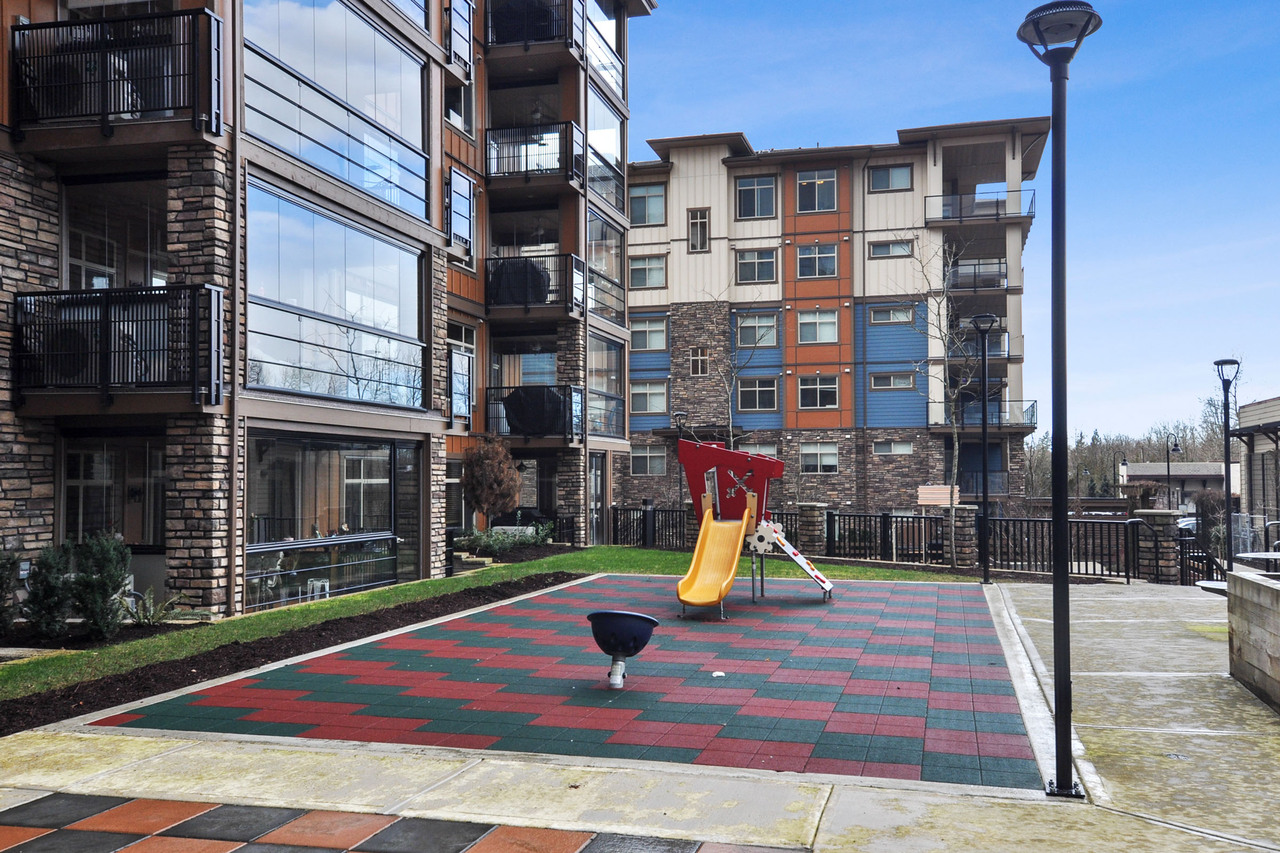 25 at A214 - 20716 Willoughby Town Centre Drive, Willoughby Heights, Langley