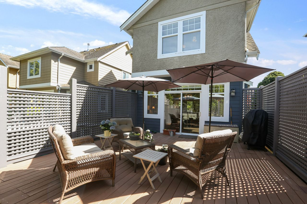 20 at 15383 Russell Avenue, White Rock, South Surrey White Rock