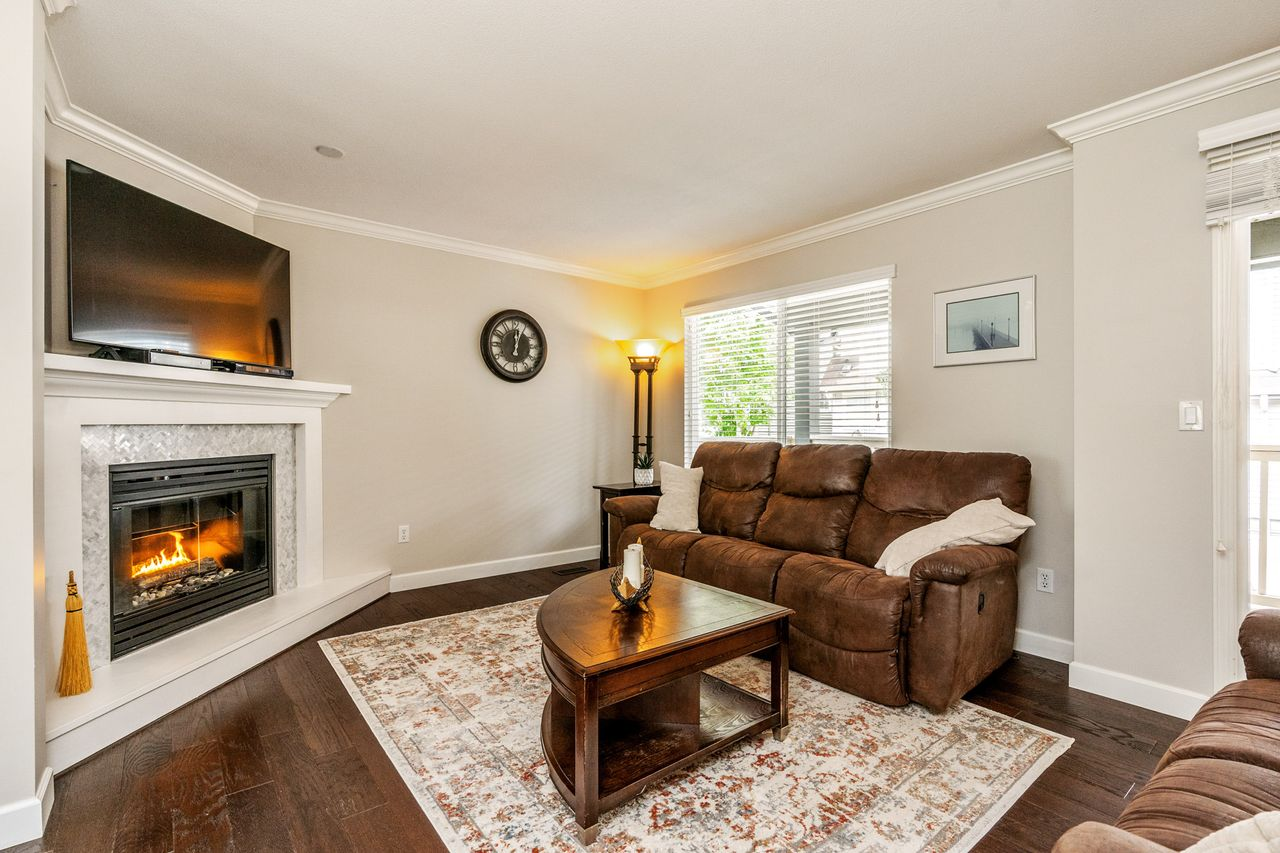 02 at 16 - 15355 26 Avenue, King George Corridor, South Surrey White Rock
