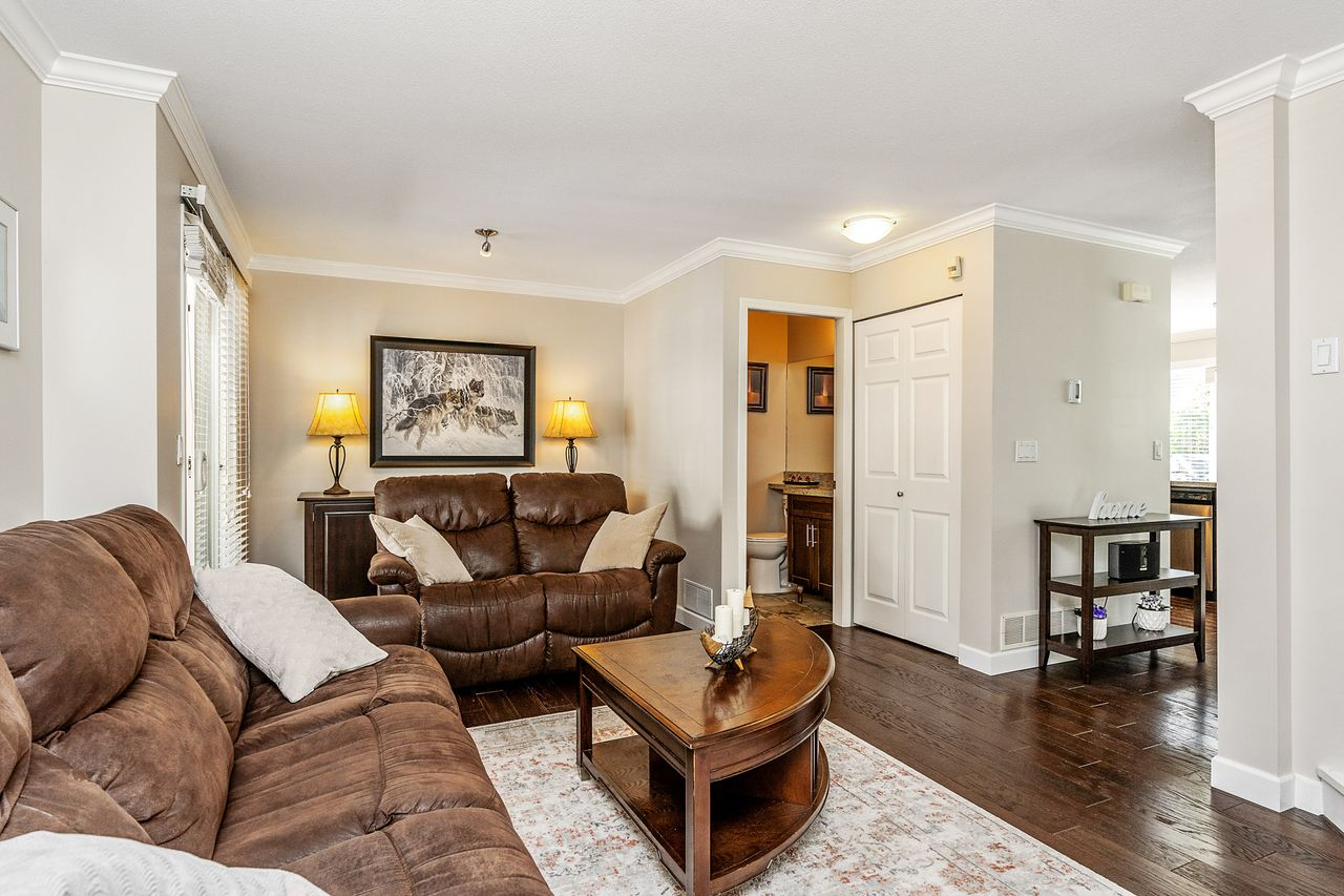 04 at 16 - 15355 26 Avenue, King George Corridor, South Surrey White Rock