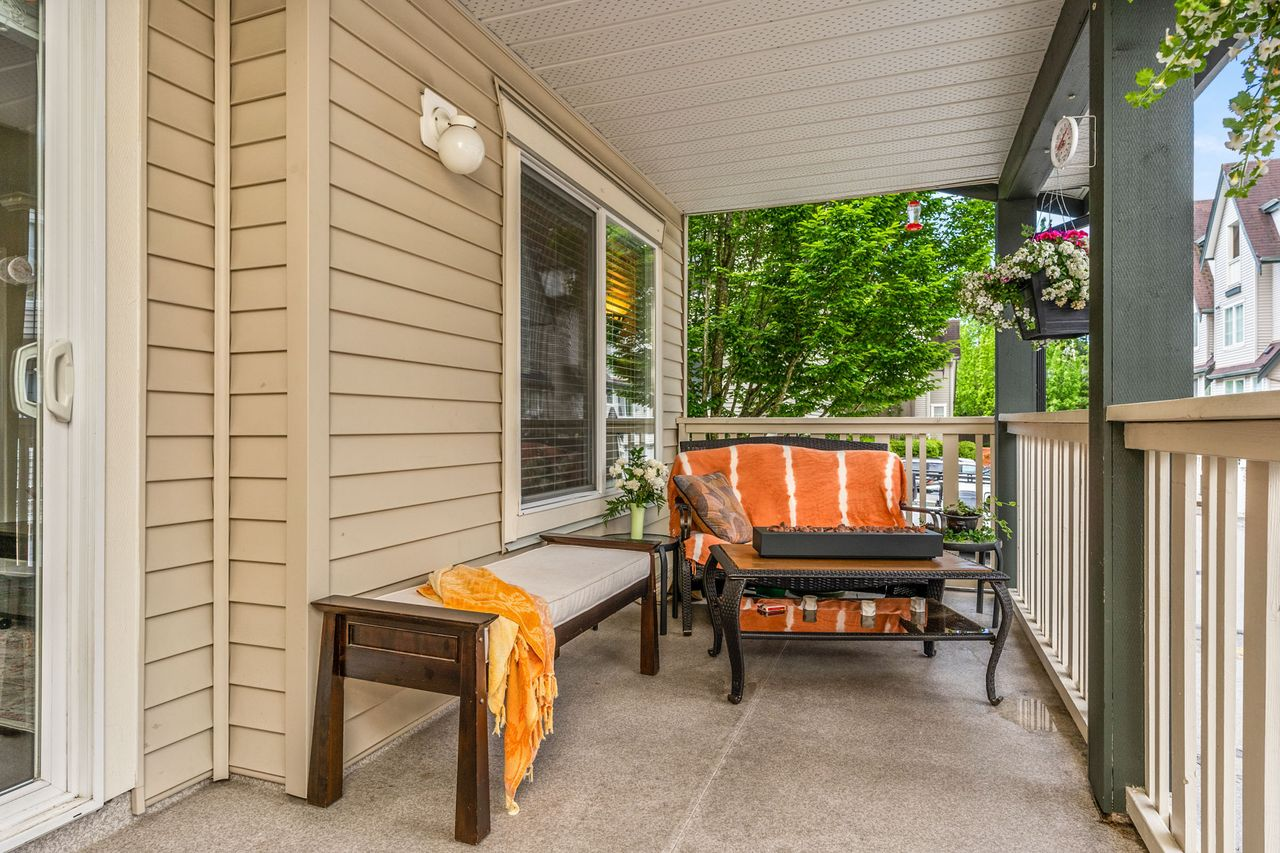 10 at 16 - 15355 26 Avenue, King George Corridor, South Surrey White Rock