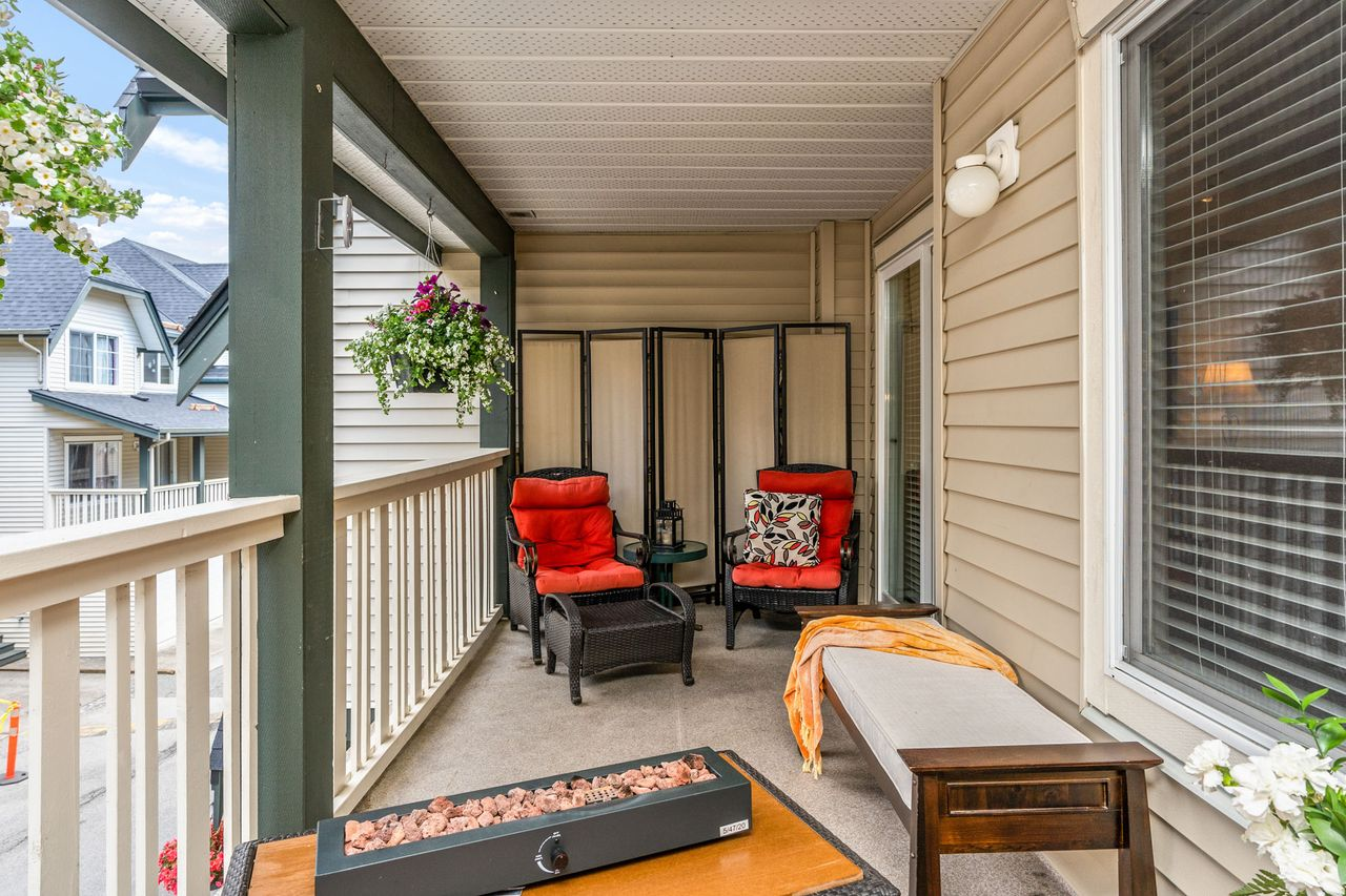11 at 16 - 15355 26 Avenue, King George Corridor, South Surrey White Rock