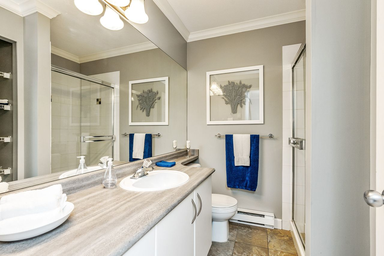 16 at 16 - 15355 26 Avenue, King George Corridor, South Surrey White Rock
