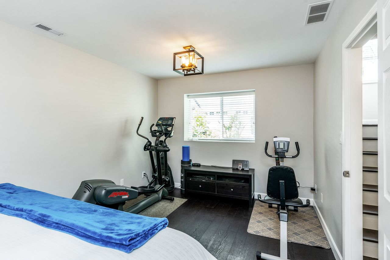 24 at 16 - 15355 26 Avenue, King George Corridor, South Surrey White Rock