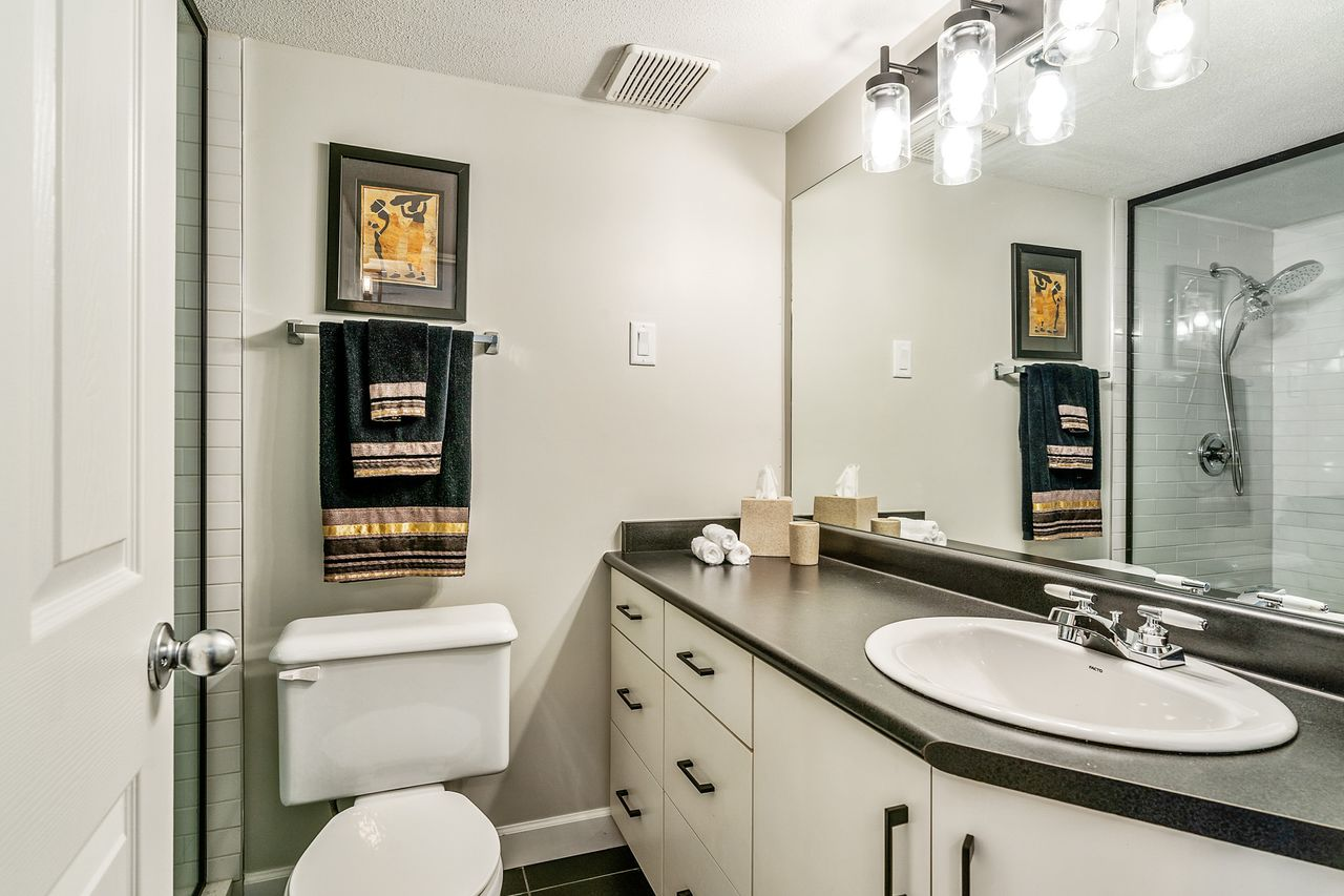 25 at 16 - 15355 26 Avenue, King George Corridor, South Surrey White Rock