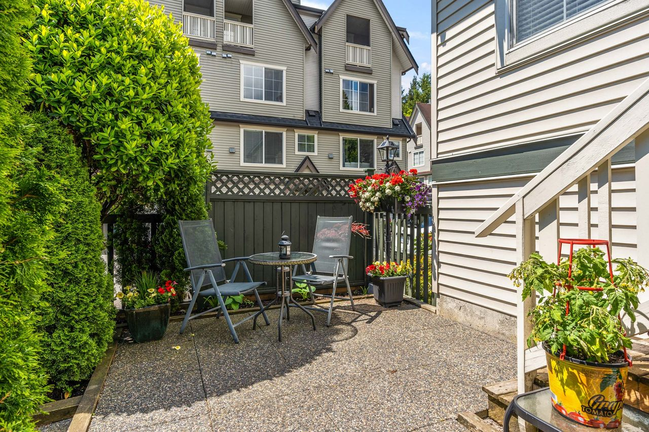 26 at 16 - 15355 26 Avenue, King George Corridor, South Surrey White Rock
