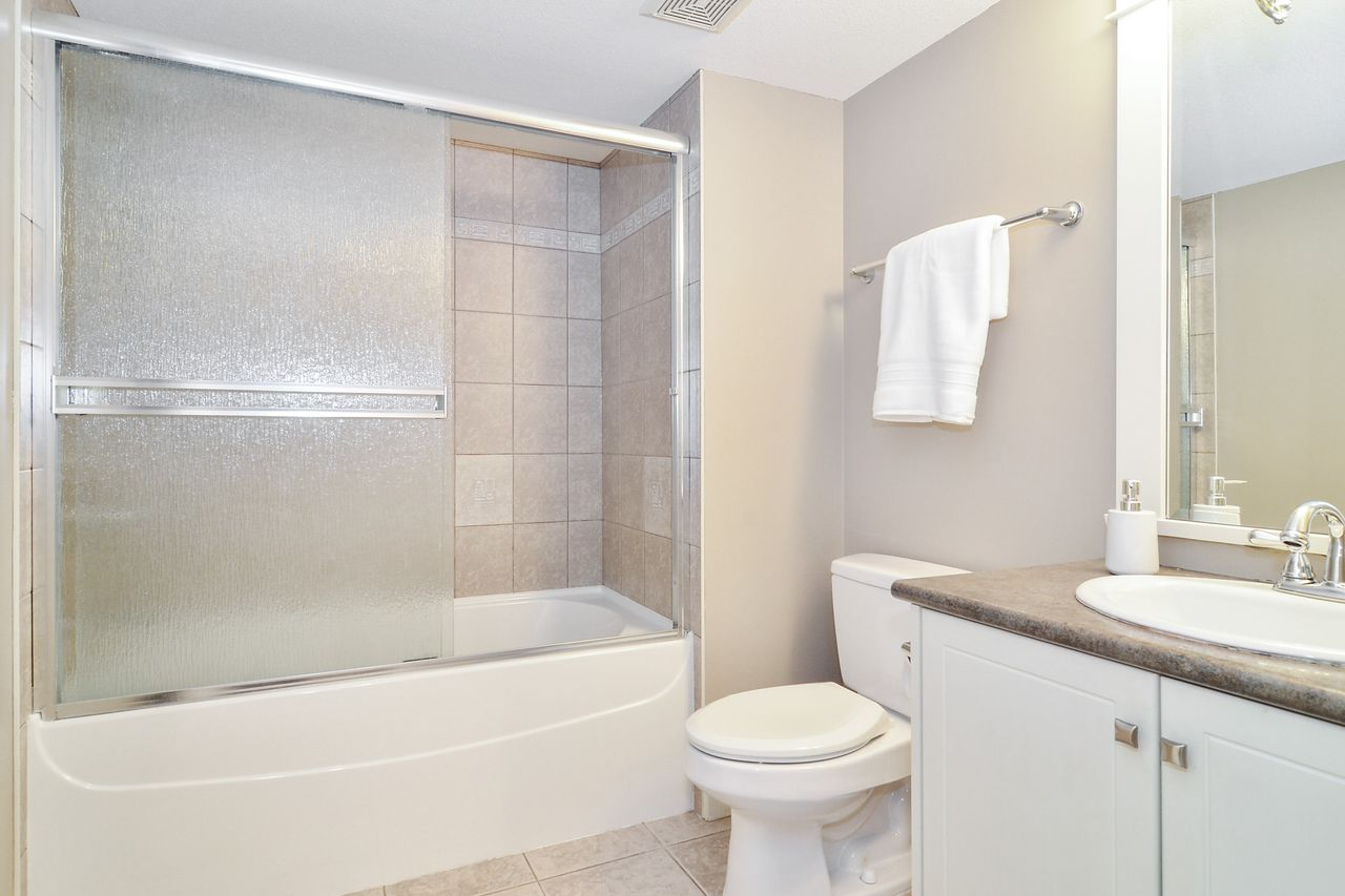 28 at 14830 34 Avenue, King George Corridor, South Surrey White Rock