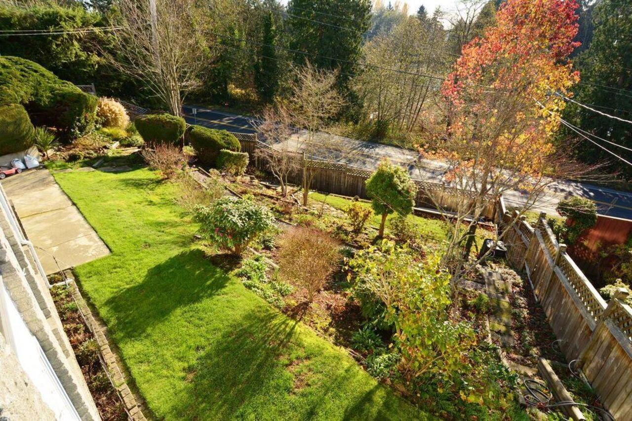 Front garden at  16097 8 Avenue, South Surrey White Rock
