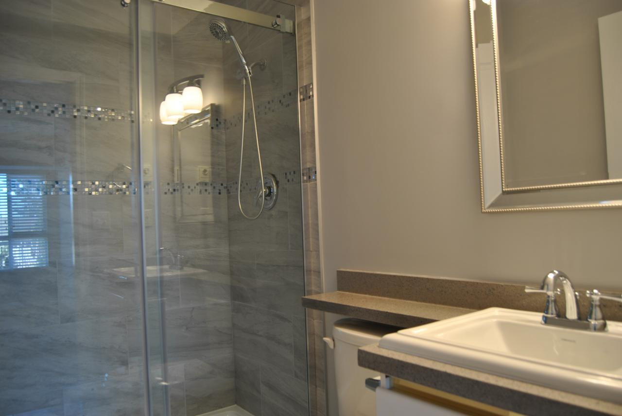 Master Bathroom at 328 - 1952 152a Street, King George Corridor, South Surrey White Rock