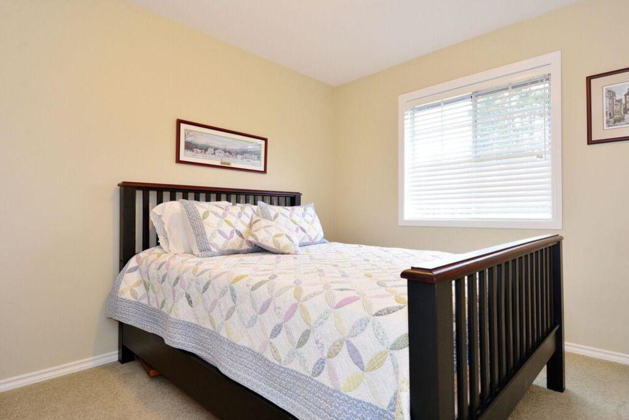 Den at 13152 20a Avenue, Elgin Chantrell, South Surrey White Rock