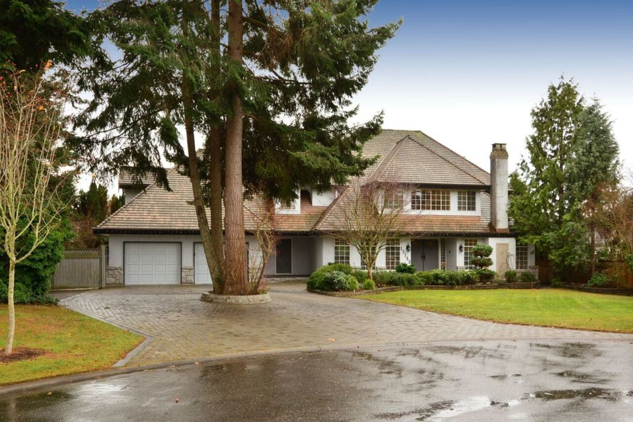Exterior front at 13152 20a Avenue, Elgin Chantrell, South Surrey White Rock