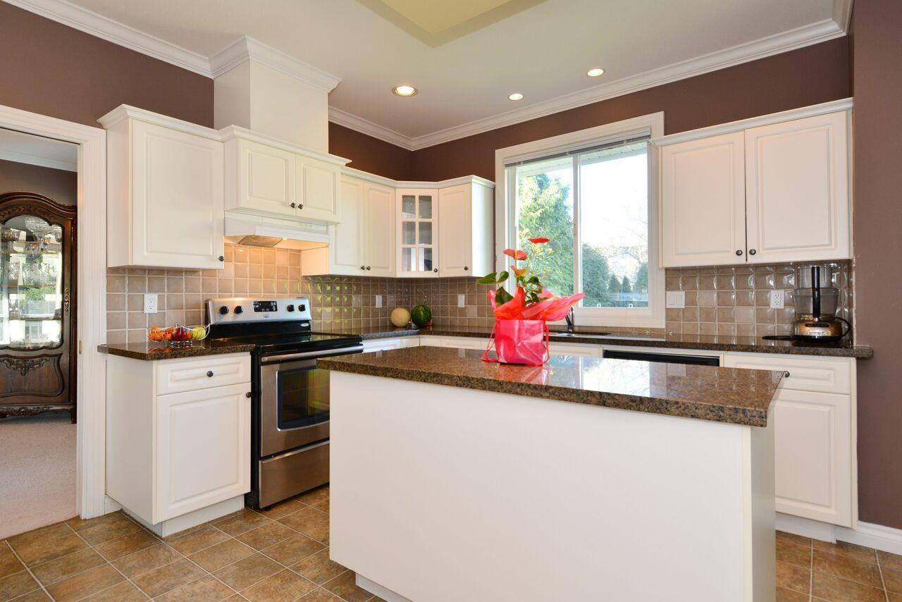 kitchen-1 at 12747 24 Avenue, Crescent Bch Ocean Pk., South Surrey White Rock
