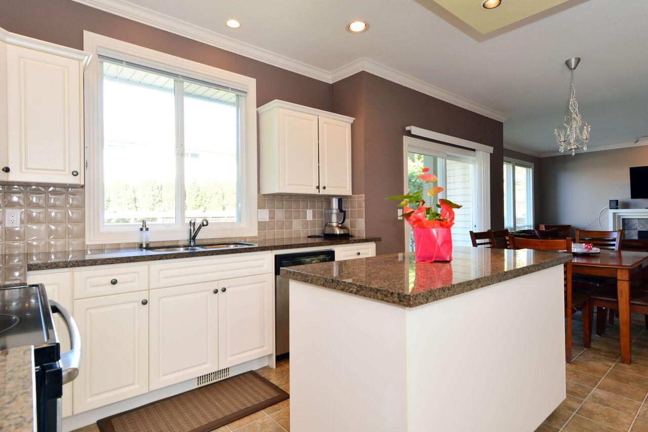 kitchen1-1 at 12747 24 Avenue, Crescent Bch Ocean Pk., South Surrey White Rock