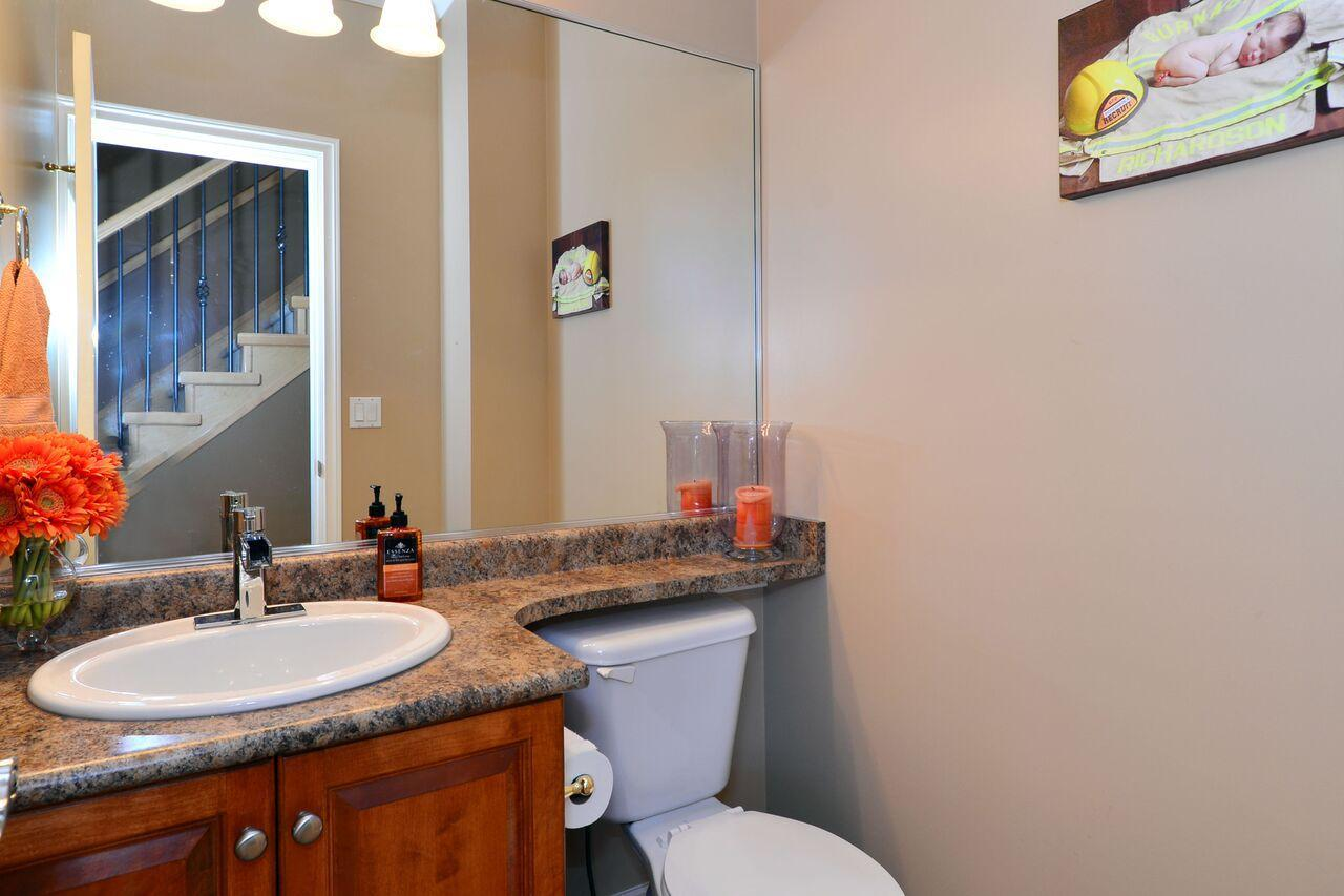 main-bath at 3598 Rosemary Heights Crescent, Morgan Creek, South Surrey White Rock