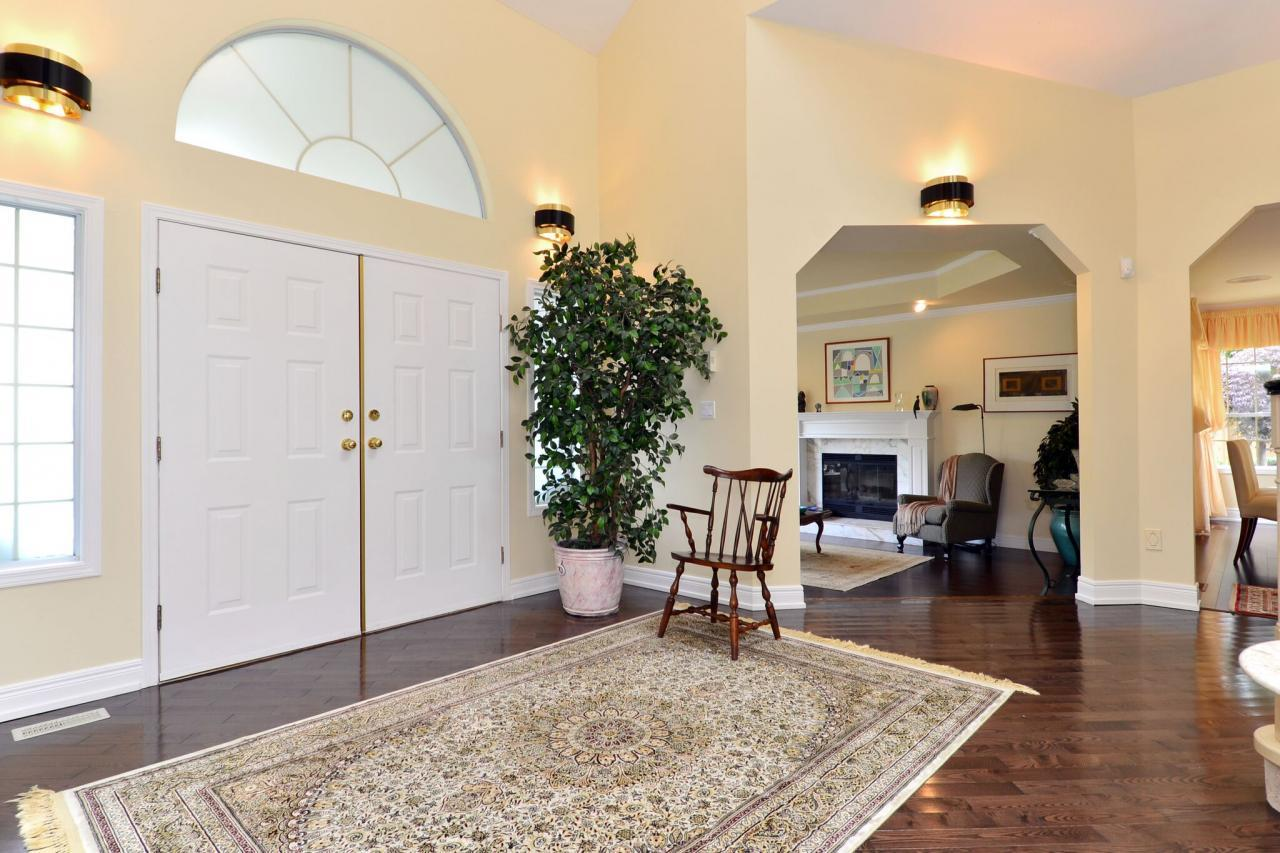 foyer3 at 2961 145a Street,