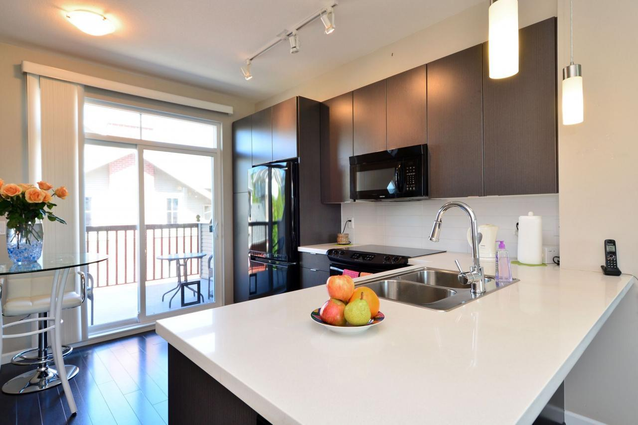 kitchen1 at 6 - 19505 68a Avenue, Clayton, Cloverdale