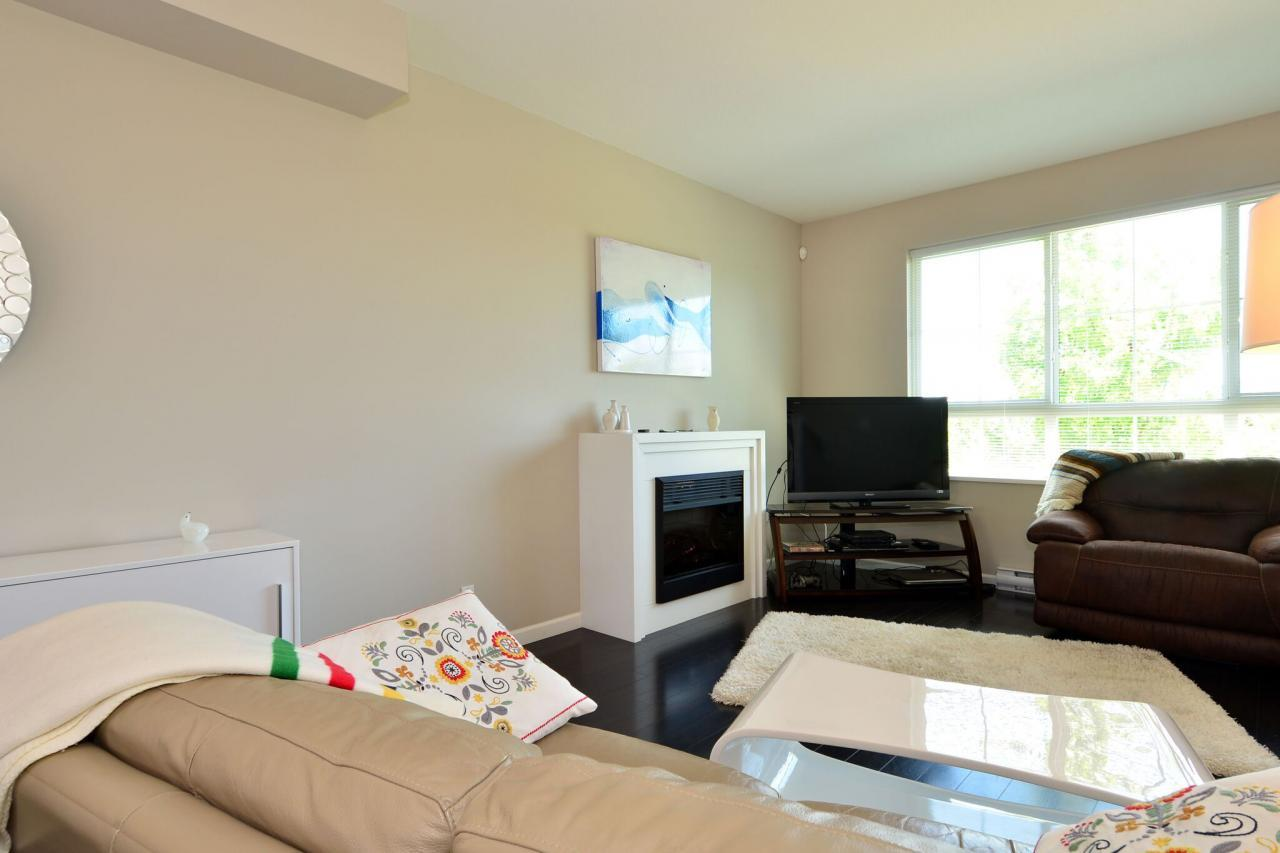 living2 at 6 - 19505 68a Avenue, Clayton, Cloverdale