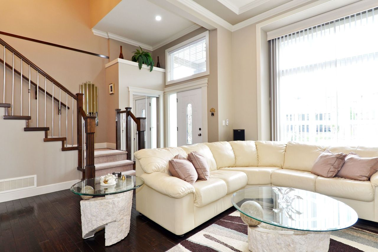 living-3 at 17167 65 Avenue, Cloverdale BC, Cloverdale