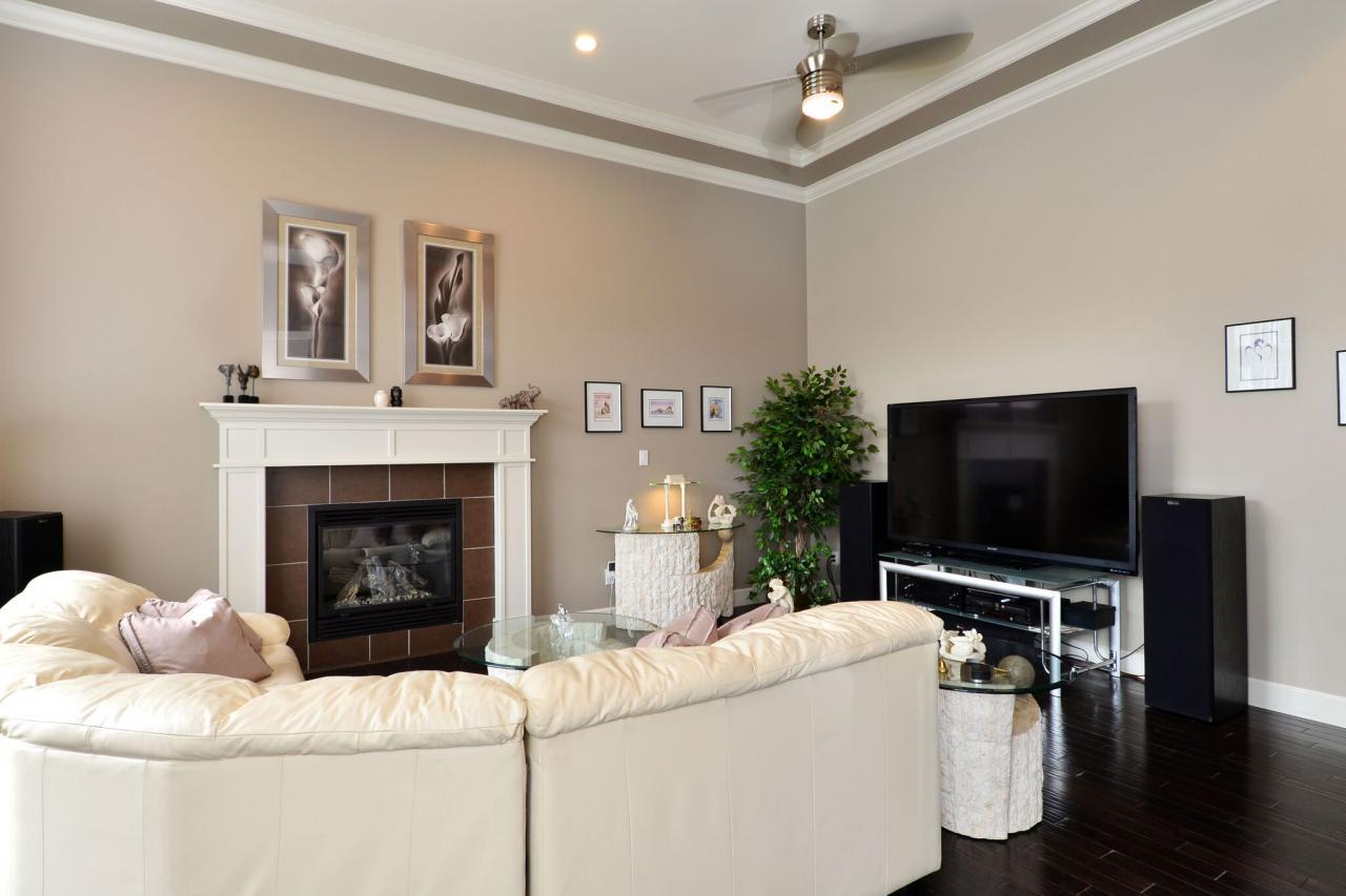 living-room at 17167 65 Avenue, Cloverdale BC, Cloverdale