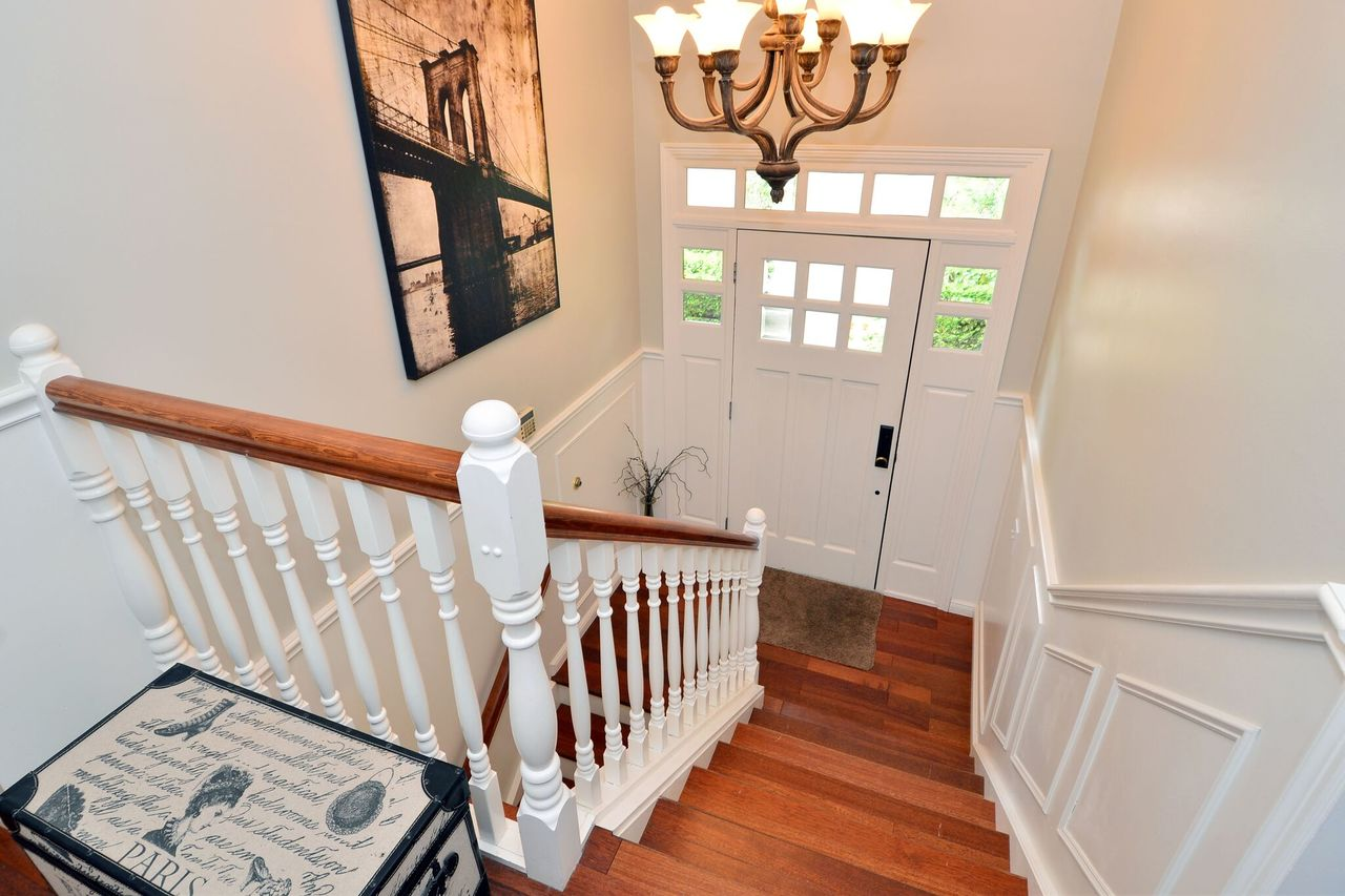 foyerf4 at 2214 153a Street, King George Corridor, South Surrey White Rock