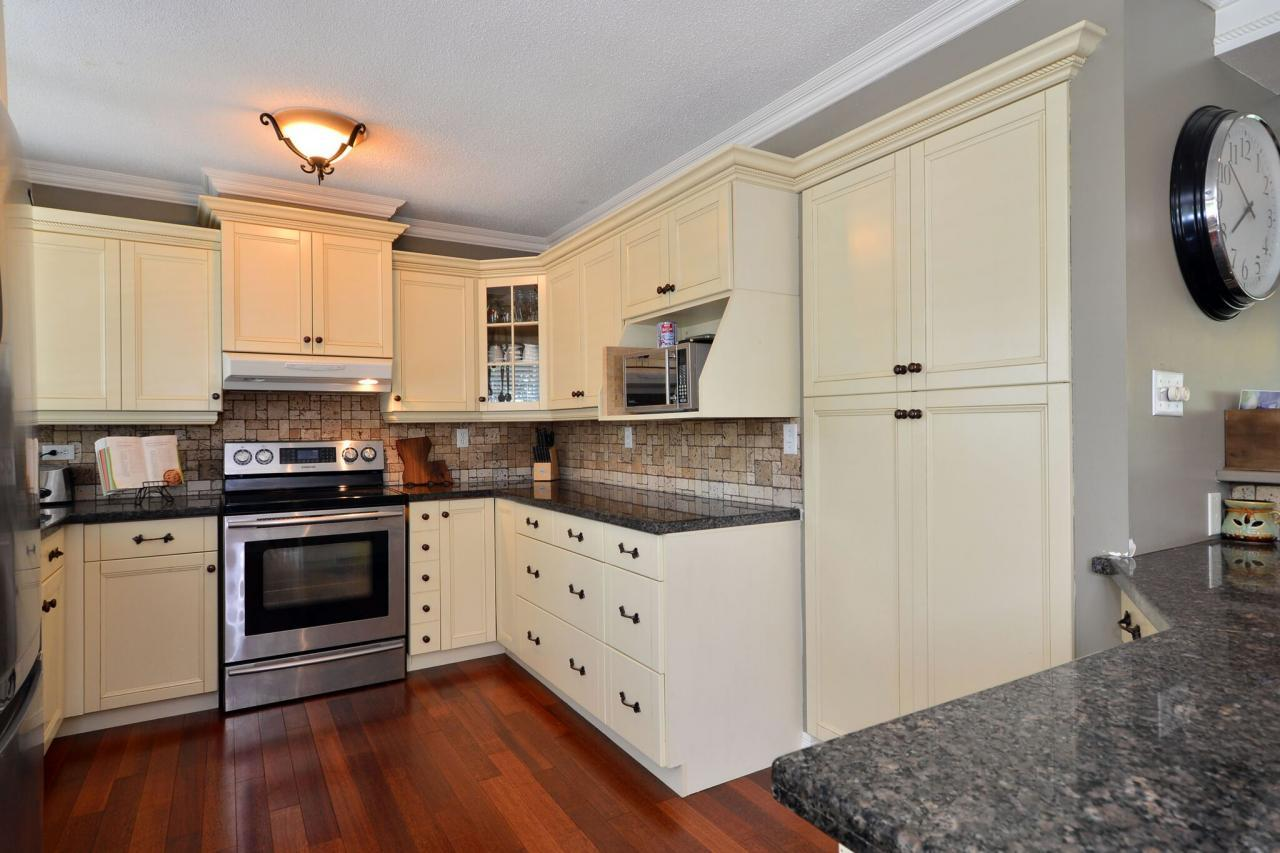 kitchen4 at 2214 153a Street, King George Corridor, South Surrey White Rock