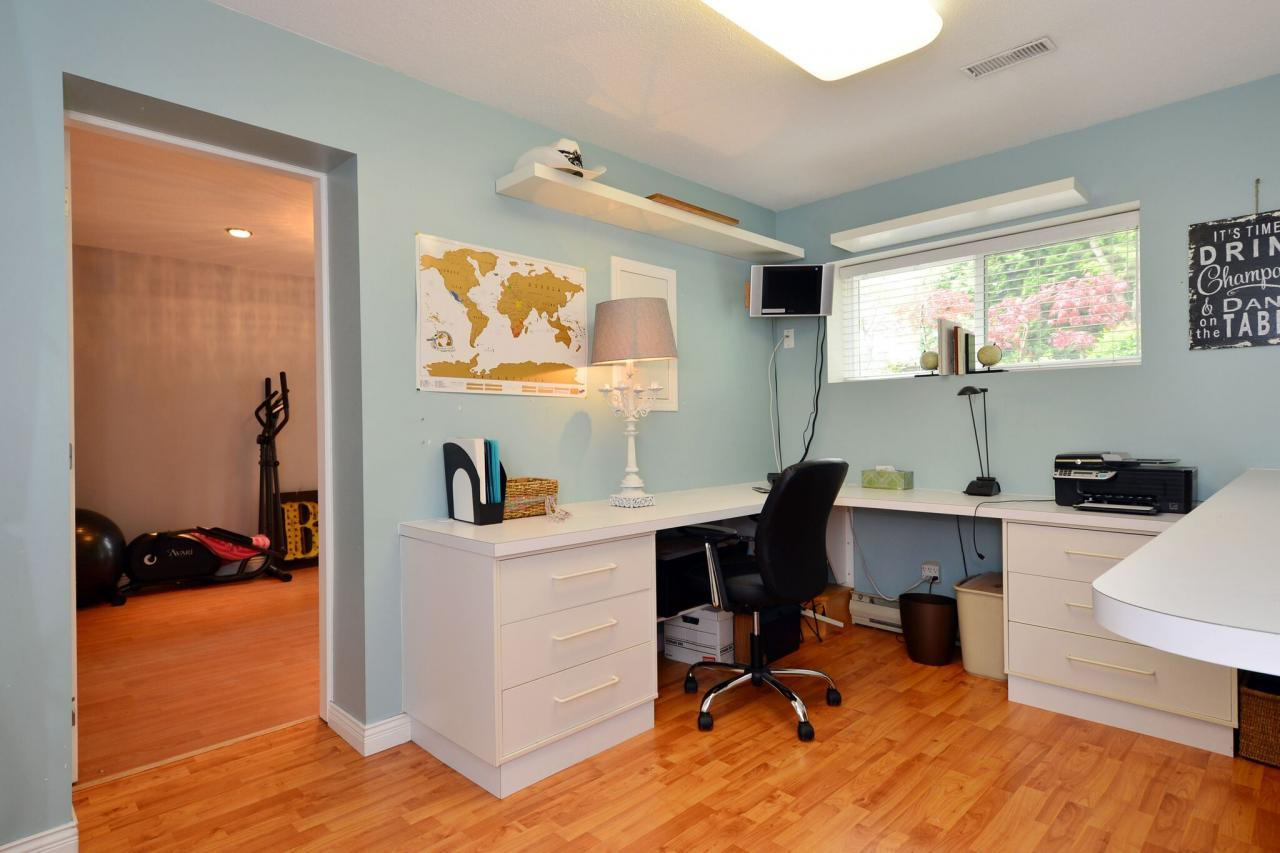 laundry at 2214 153a Street, King George Corridor, South Surrey White Rock