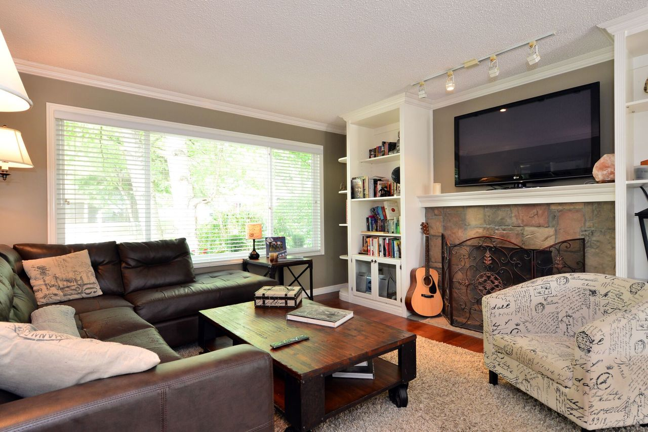 living-room at 2214 153a Street, King George Corridor, South Surrey White Rock