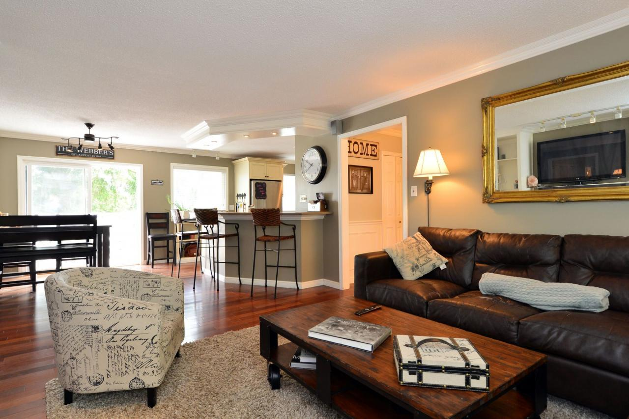 living-view at 2214 153a Street, King George Corridor, South Surrey White Rock
