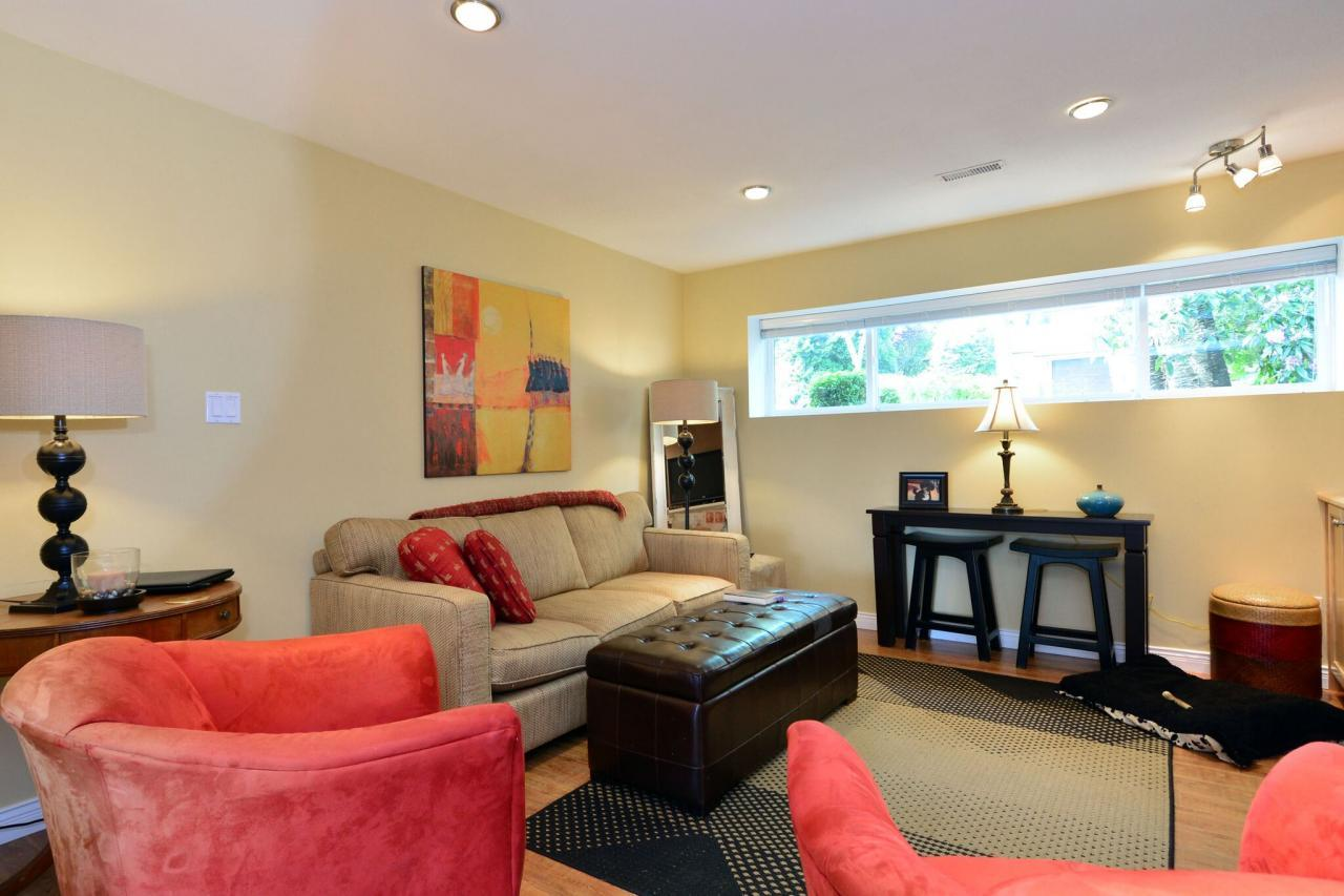 suite2 at 2214 153a Street, King George Corridor, South Surrey White Rock