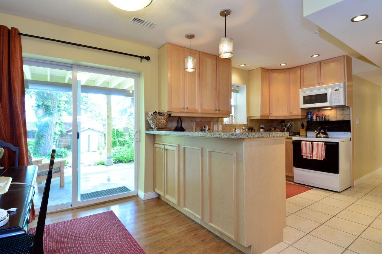 suite3 at 2214 153a Street, King George Corridor, South Surrey White Rock