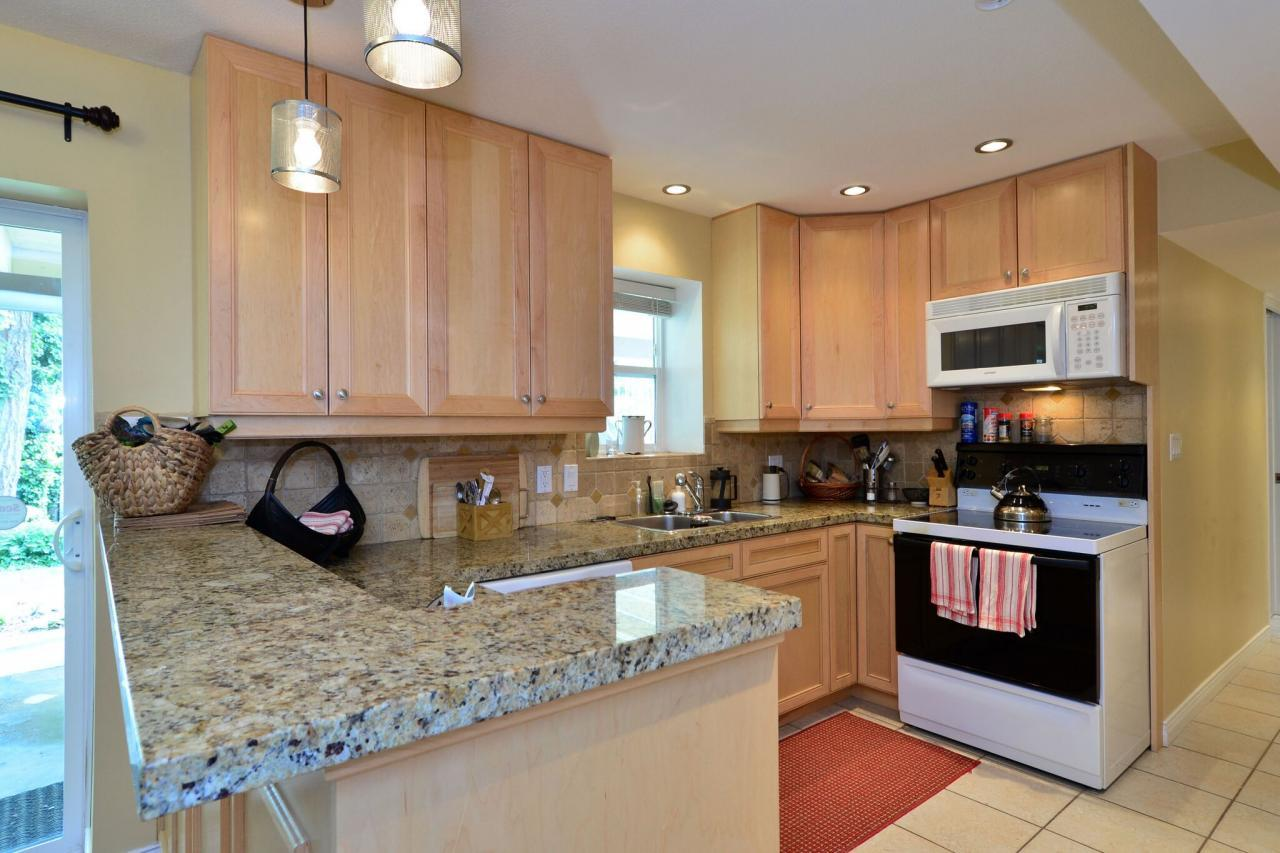 suite4 at 2214 153a Street, King George Corridor, South Surrey White Rock