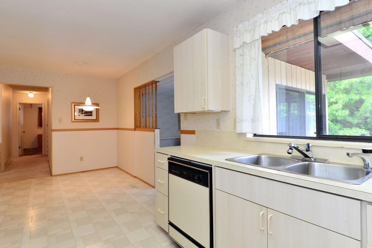 kitchen4 at 1721 145a Street, Sunnyside Park Surrey, South Surrey White Rock
