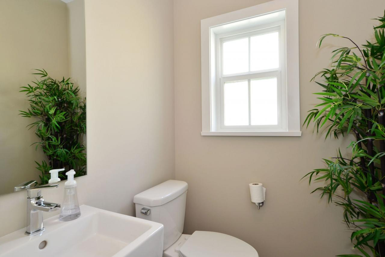 main-bath at 93 - 15588 32 Avenue, Grandview Surrey, South Surrey White Rock