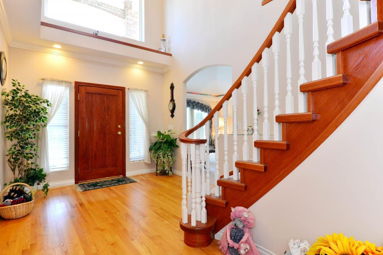 foyer at 2289 138a Street, Elgin Chantrell, South Surrey White Rock