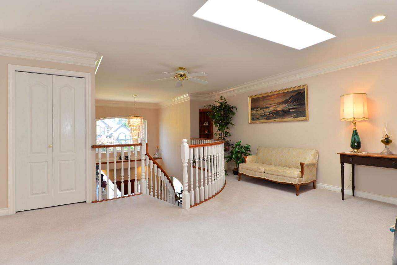 upper-level at 2289 138a Street, Elgin Chantrell, South Surrey White Rock