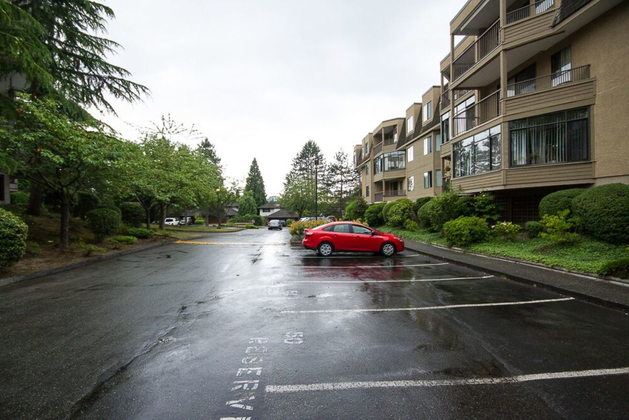 out at 203 - 1760 Southmere Crescent, Sunnyside Park Surrey, South Surrey White Rock