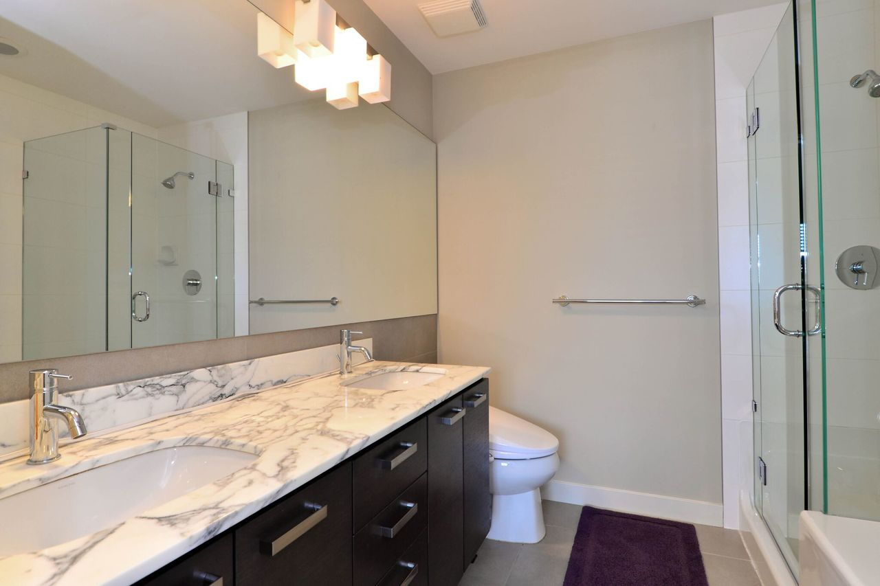 ensuite at 37 - 2603 162 Street, Grandview Surrey, South Surrey White Rock