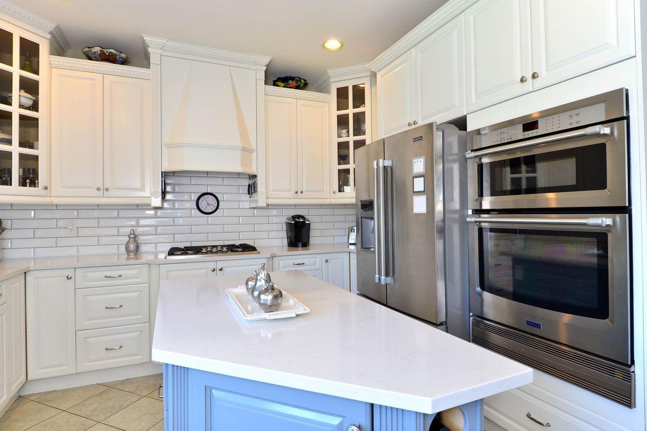 kitchen1 at 12779 24 Avenue, Crescent Bch Ocean Pk., South Surrey White Rock